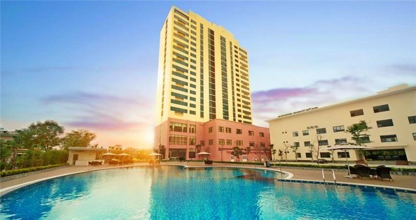 Hồ bơi Khách sạn Mường thanh quảng nam