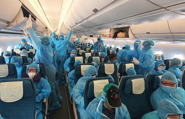 các chuyến bay từ Canada về Việt Nam chuyên gia hành khách