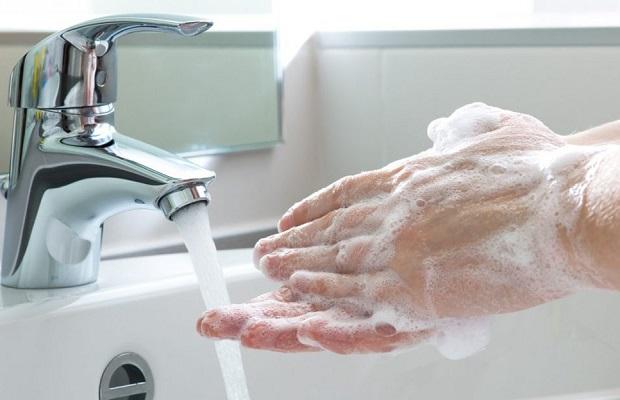 danh sách khách sạn cách ly tại nha trang rửa tay sạch sẽ