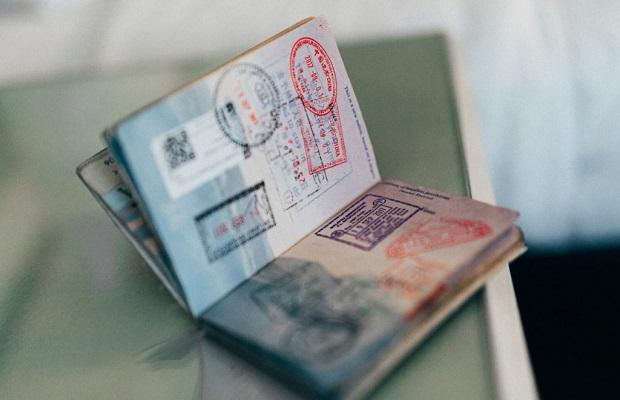 Chuẩn bị đầy đủ các giấy tờ cần thiết dành cho người nước ngoài nhập cảnh vào Việt Nam