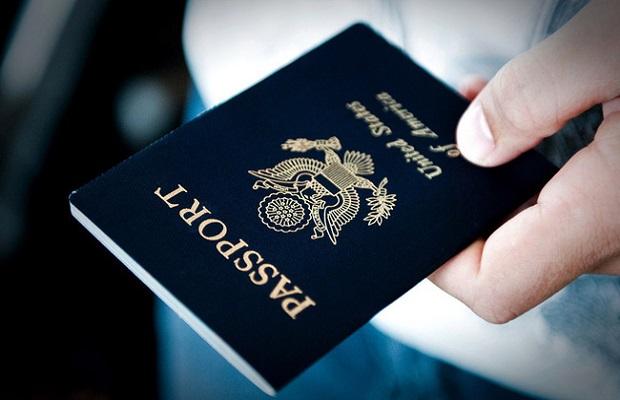 Giấy tờ thông hành bắt buộc của hành khách là chuyên gia